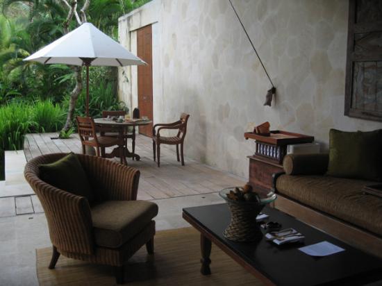 Four Seasons Resort Bali at Sayan : villa living space