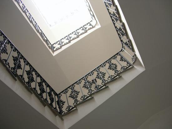 Palazzo Filangeri: Stairwell