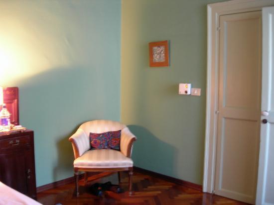 Palazzo Filangeri: Corner of bedroom