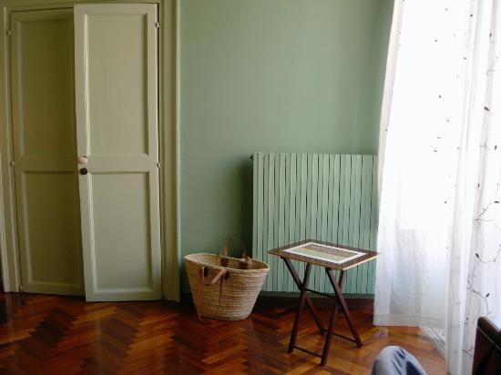 Palazzo Filangeri: Facing corner