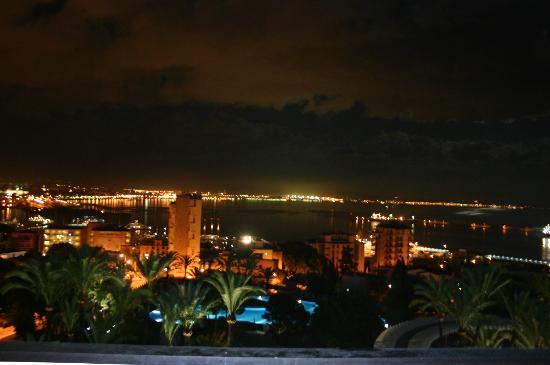 GPRO Valparaiso Palace & SPA : City from hotel