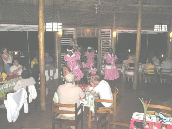 Show Garifuna