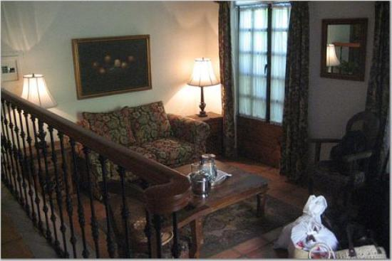 Todos Santos Inn: view of the room from the raised bed - gorgeous furniture!