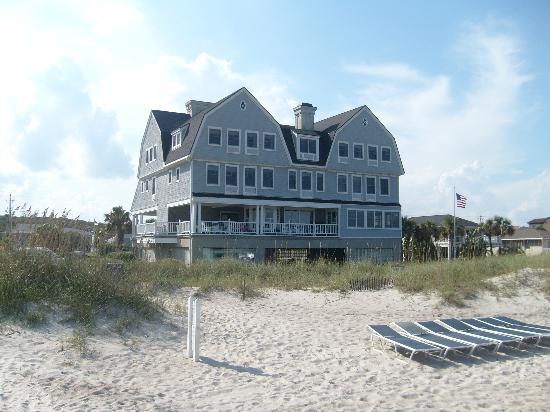 Elizabeth Pointe Lodge : The Lodge