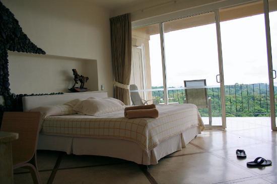 La Mariposa Hotel: Our room