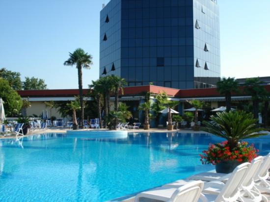 Hotel antares pool picture of antares hotel villafranca - Hotels in verona with swimming pool ...