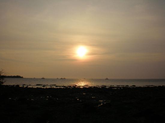 Pulau Umang Resort & Spa: sunset in umang