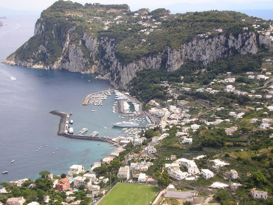 Sant'Agnello, İtalya: Capri - crowded but worth it