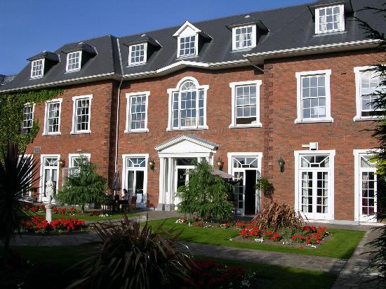 Hayfield Manor Hotel: Back