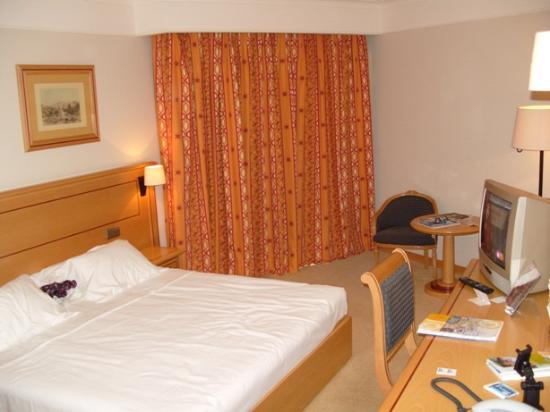 Hotel Real Palacio : Zimmer