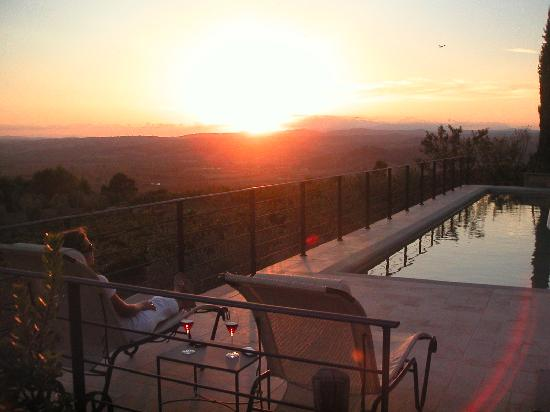 Castello Banfi - Il Borgo: Watching the sunset