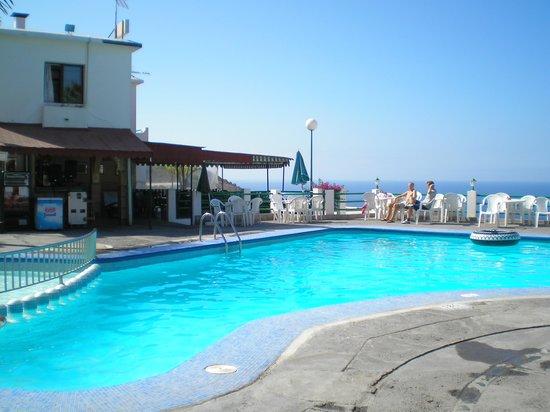 Corona Rosa: pool area