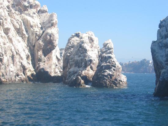 Stone Island (Isla de las Piedras): Pirate Caves in Sea of Cortez, again part of the tour.