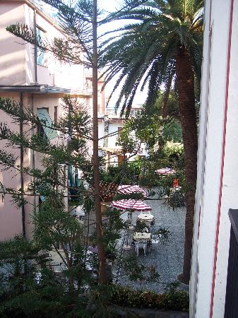 Hotel 5 Terre: View from our window - you can see the sea.