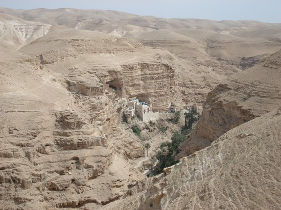 Jerusalén, Israel: View of St. George's Monastery near Jericho