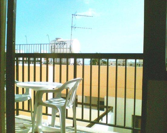 Tasia Maris Oasis : balcony