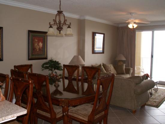 Ocean Villa Condos: dining/living room