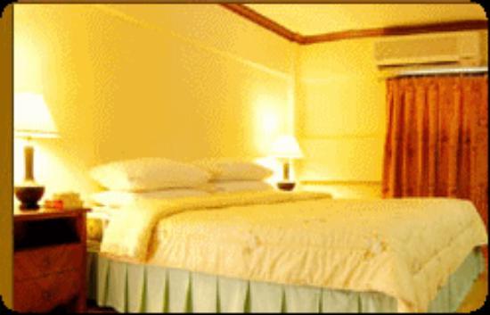 Victoria Lodge Bungalow: bed room