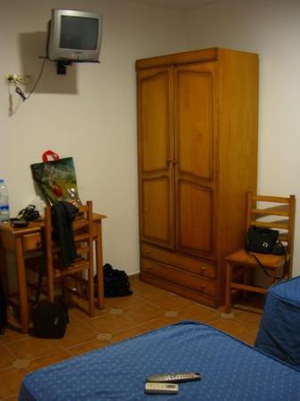 room hostal canalejas