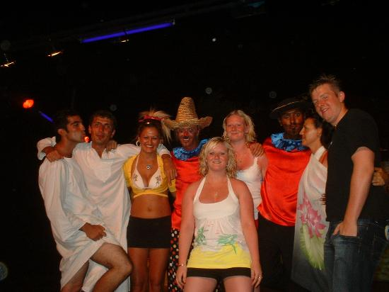Torba, Turkije: ME, sis, her boyfriend with the entertainment team!