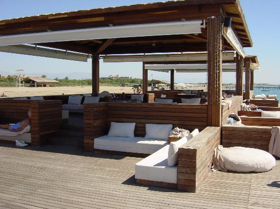 Gloria Serenity Resort: Lounge in the sea