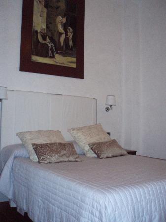 Il Salotto di Firenze: A view of a porion of our room.