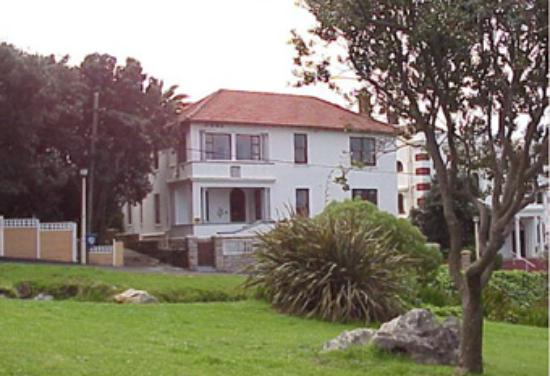 Bella Ev in all her glory! Situated at the base of a mountain, with sea views, it's all anyone n