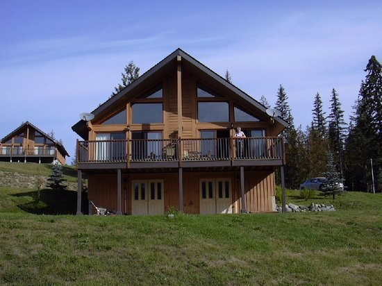 Alpine Meadows Resort : Our lakeside lodge