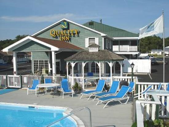 Q I Side Bulding Picture Of Rodeway Inn Chincoteague