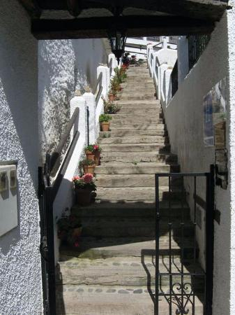 Trevelez, Spain: Escalera de entrada