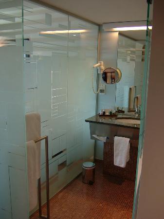 Crowne Plaza Lille : Bathroom