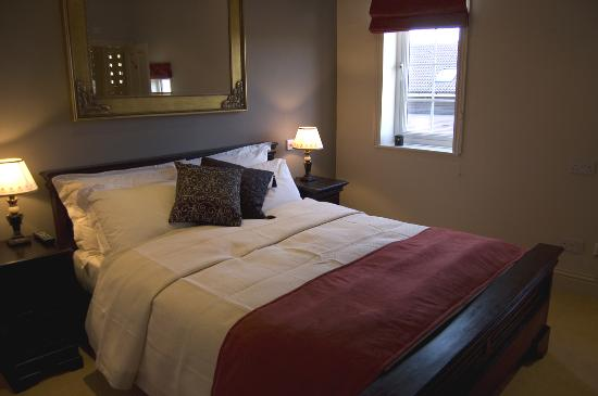 Hotel de Vie : our stunning gothic style room