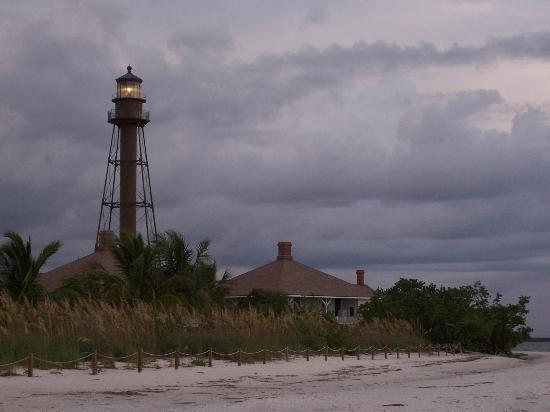 Sanibel Island Lighthouse: Lighthouse at Dusk