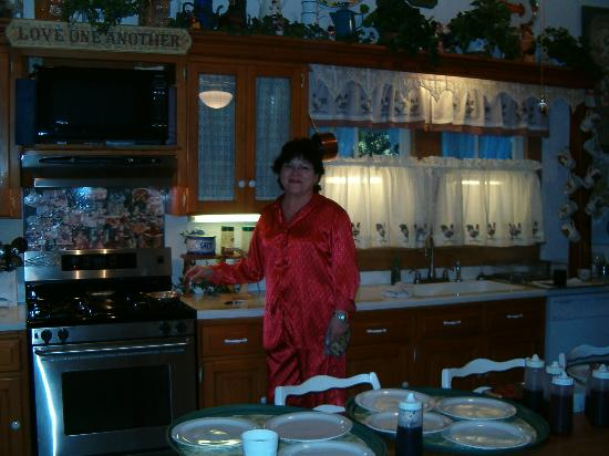 T'Frere's Bed & Breakfast: The owner in her kitchen!