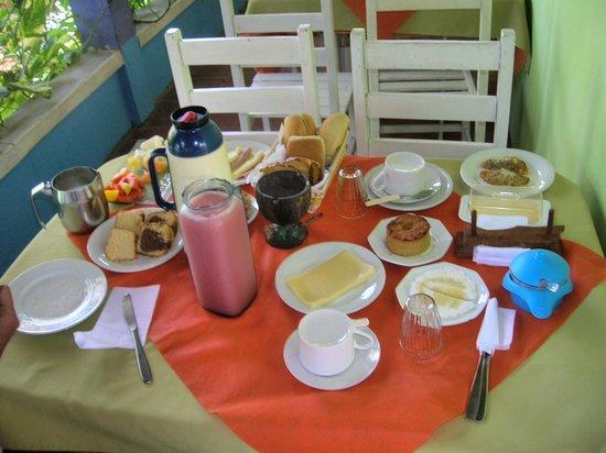 Tres Coqueiros: continental breakfast