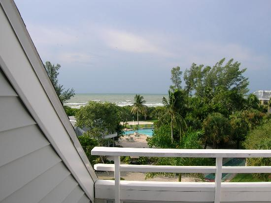Tortuga Beach Club Resort: Master Bedroom View