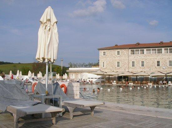 Terme di Saturnia Spa & Golf Resort: il lago naturale termale