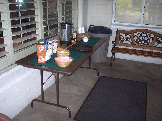 El Rancho Boulder Motel: coffee