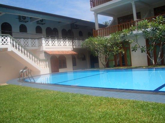 Wunderbar Beach Club Hotel: poolside