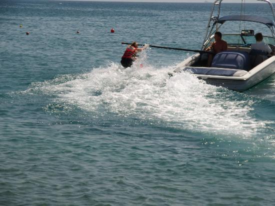 Hotel Panorama Gennadi: les plus sportifs y assouviront leurs passions nautiques...