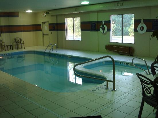 Holiday Inn Express & Suites Dayton-Centerville: Holiday Inn Express Swimming Area