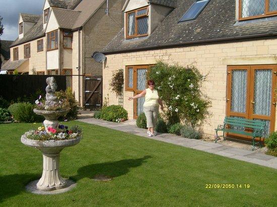 Meadow Rise Guest House: Rear garden