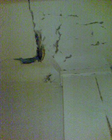 Le plafond de l\'armoire - Picture of Hotel Printania Porte de ...