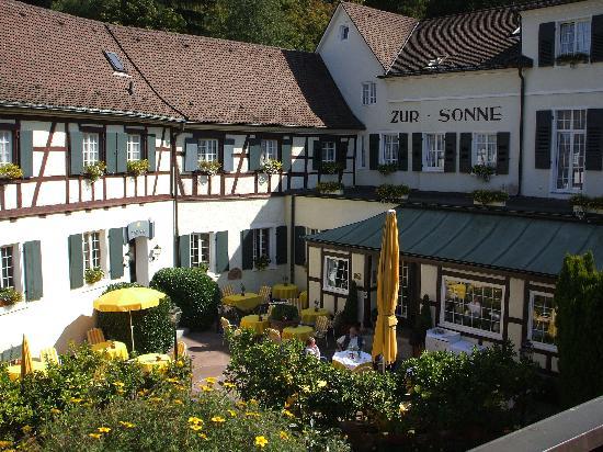 Romantik Hotel zur Sonne: Drinks before dinner