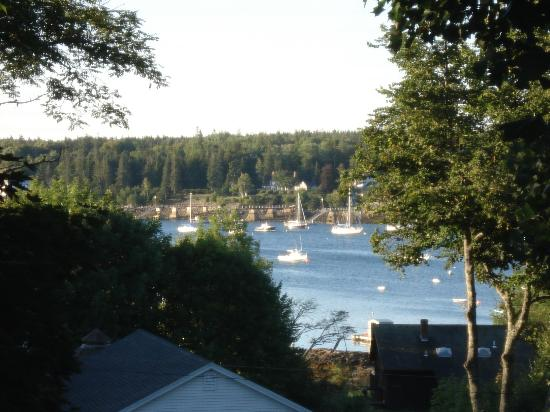 The Harbour Cottage Inn: View from ourwindow