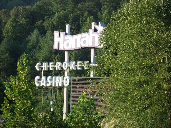 Holiday Inn Express Cherokee/Casino: Holiday Inn Express Cherokee - Across form casino