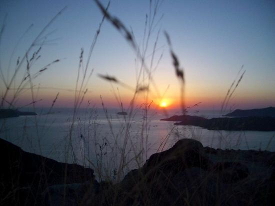 Irini's Villas Resort : View of the sunset