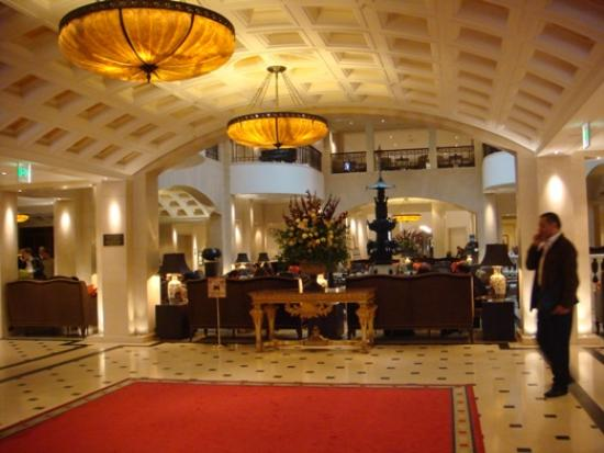 Hotel Adlon Kempinski : Lobby Entrance