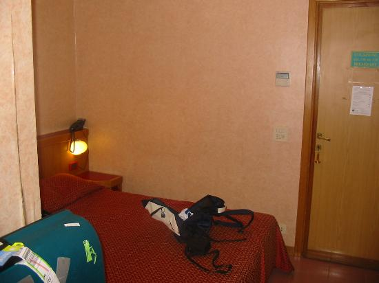 Hotel Flavia: bed was ok