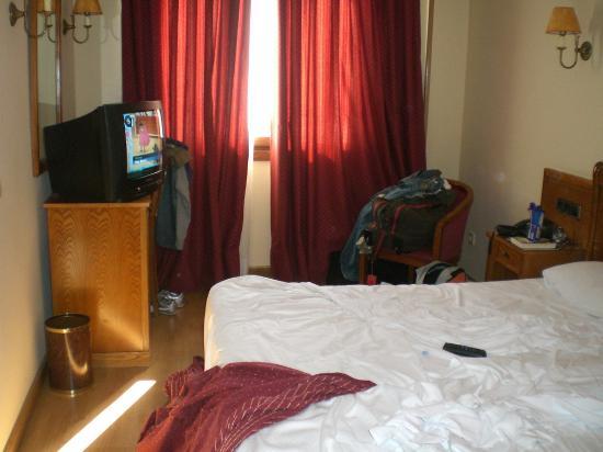 Hotel Ciudad de Cangas de Onis: habitación